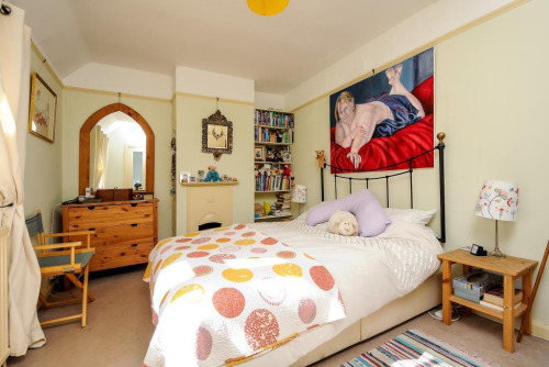01-terrible-real-estate-agent-photos
