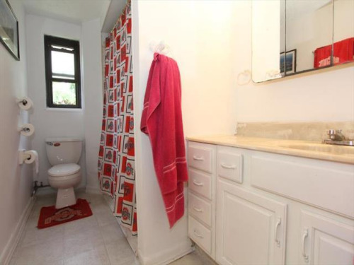 22-terrible-real-estate-agent-photos